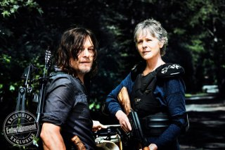 The Walking Dead: Norman Reedus e Melissa McBride in una foto dell'ottava stagione
