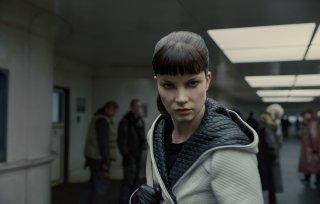 Blade Runner 2049: una scena con Sylvia Hoeks