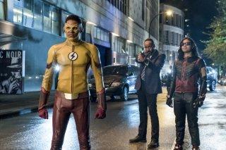 The Flash:  Keiynan Lonsdale e Carlos Valdes in The Flash Reborn
