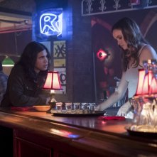 The Flash: Carlos Valdes e Danielle Panabaker in The Flash Reborn