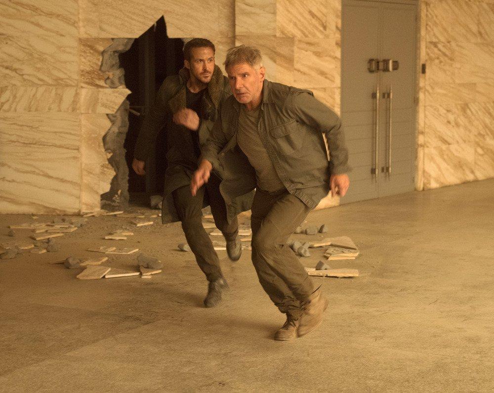 Blade Runner 2049: Harrison Ford e Ryan Gosling in una foto del film