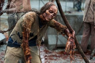The Walking Dead: un walker in una foto dell'ottava stagione