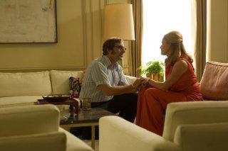 La battaglia dei sessi: Steve Carell e Elisabeth Shue in una scena del film