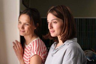Ritorno in Borgogna: Ana Girardot e Maria Valverde in una scena del film