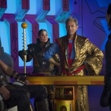 Thor: Ragnarok, Chris Hemsworth e Jeff Goldblum in una scena del film
