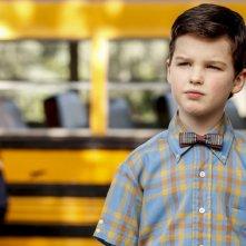 Young Sheldon: Iain Armitage in una sequenza