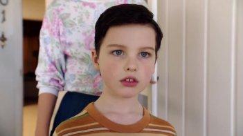 Young Sheldon: Iain Armitage in una scena