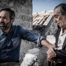 Il vangelo secondo Mattei: Antonio Andrisani e Flavio Bucci in una scena del film