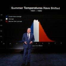 Una scomoda verità 2: Al Gore durante una presentazione in una scena del documentario