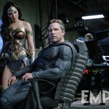 Justice League: Ben Affleck e Gal Gadot in una scena del film