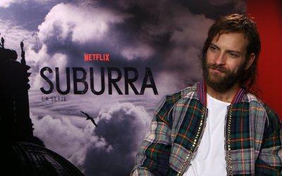 Suburra, la serie Netflix: Alessandro Borghi è di nuovo Numero 8, il Lannister di Ostia