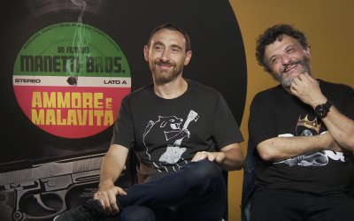 """Manetti Bros. su Ammore e malavita: """"Claudia Gerini nel film è il nostro alter ego cinefilo"""""""