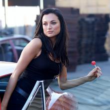 Blood Drive: una scena con Christina Ochoa
