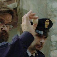 Finché c'è prosecco c'è speranza: Giuseppe Battiston e Paolo Cioni in una scena del film