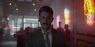 Mr. Robot: Bobby Cannavale in una scena della premiere della terza stagione