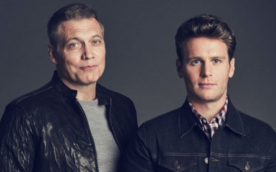Mindhunter, Jonathan Groff e Holt McCallany nella mente dei serial killer