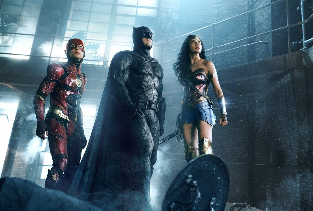 Justice League: The Flash, Batman e Wonder Woman in una nuova foto