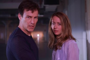The Gifted: Stephen Moyer ed Amy Acker in Exposed