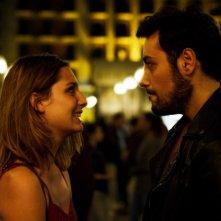 Addio fottuti musi verdi: Ciro Priello e Beatrice Arnera in una scena del film