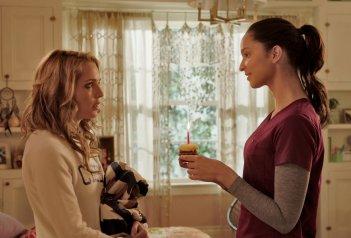 Auguri per la tua morte: Ruby Modine e Jessica Rothe in una scena del film