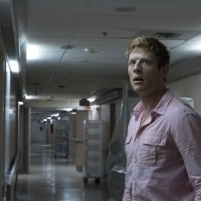 Flatliners - Linea mortale: James Norton in una scena del film