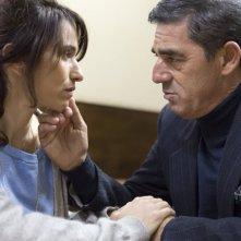 Gramigna: Biagio Izzo e Teresa Saponangelo in una scena del film