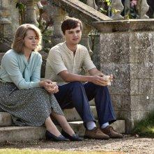 Ogni tuo respiro: Claire Foy e Dean-Charles Chapman in una scena del film