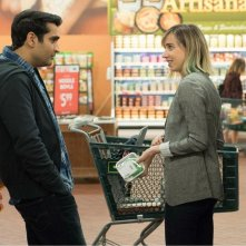 The Big Sick: Kumail Nanjiani e Zie Kazan in una scena