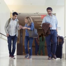The Big Sick: Kumail Nanjiani, Holly Hunter e Ray Romano in una scena del film