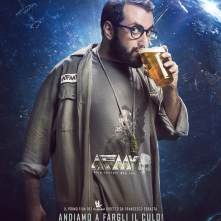 Addio fottuti musi verdi: character poster esclusivo del film dei The Jackal