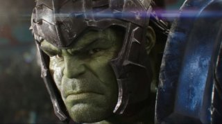 Thor: Ragnarok - un primo piano di Hulk in un'immagine del primo teaser