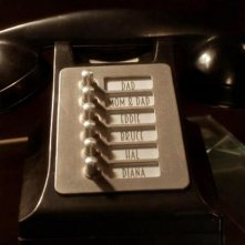 The Flash: un telefono speciale per Barry