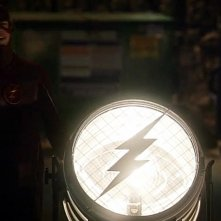 The Flash: Grant Gustin e il Flash-segnale