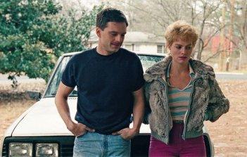 I, Tonya: Sebastian Stan e Margot Robbie in una scena del film