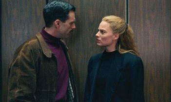 I, Tonya: Sebastian Stan e Margot Robbie in un momento del film