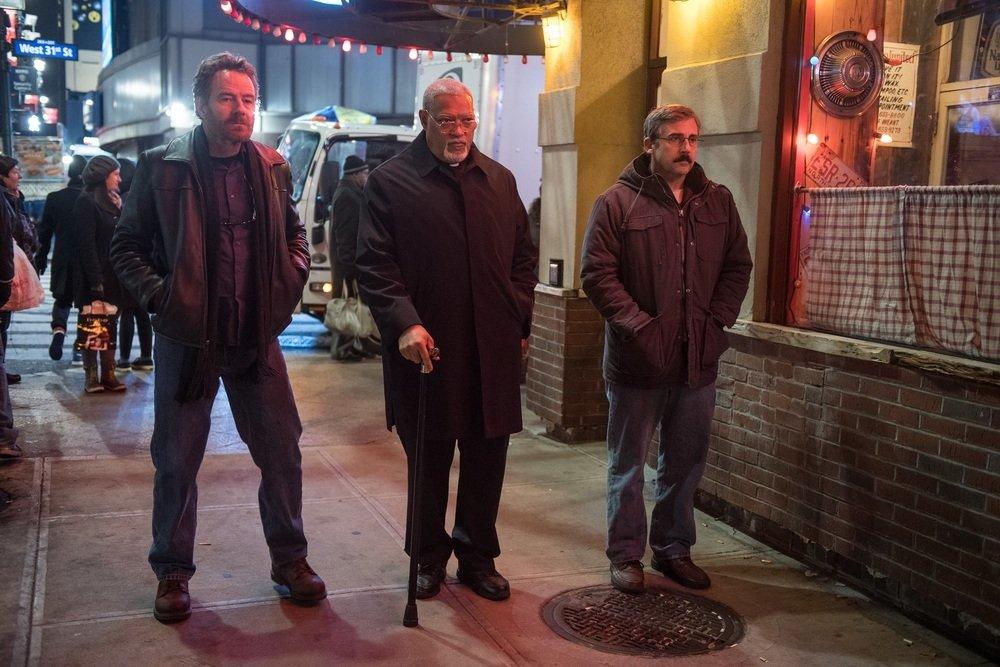 Last Flag Flying: Steve Carell, Laurence Fishburne e Bryan Cranston in un momento del film