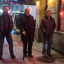 Last Flag Flying: Steve Carell, Laurence Fishburne e Bryan Cranston in un momento del film