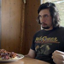 Logan Lucky: Adam Driver in una scena del film