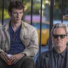 The Only Living Boy in New York: Jeff Bridges e Callum Turner in un momento del film
