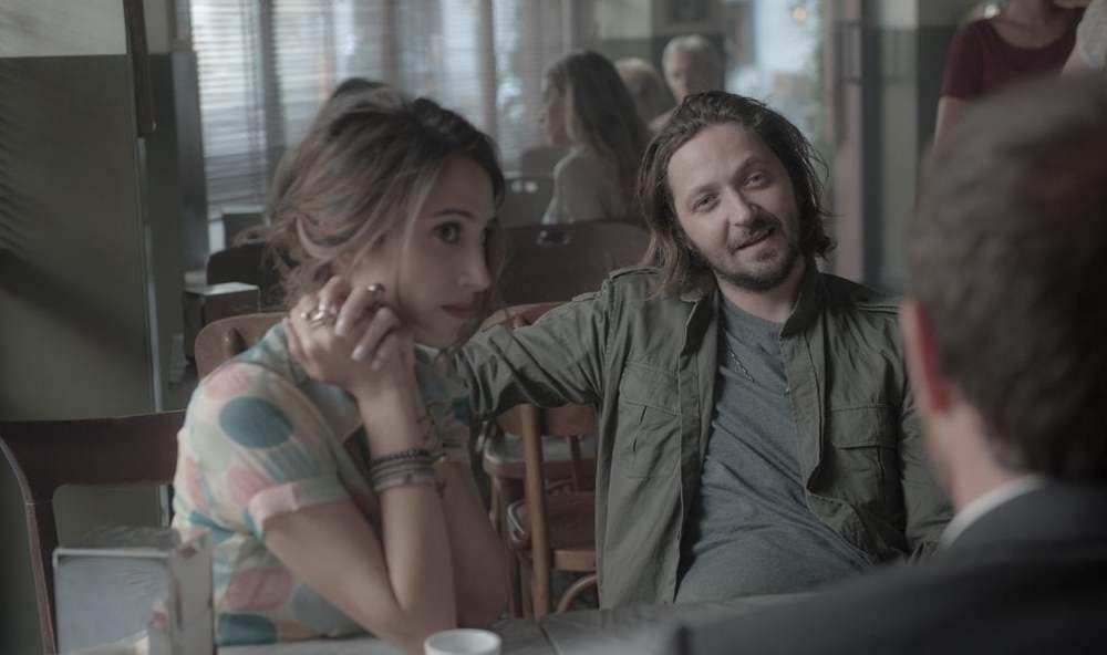 The Place: Silvia D'Amico e Silvio Muccino in una scena del film