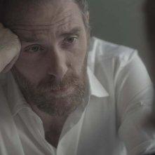 The Place: Valerio Mastandrea in una scena del film