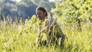 The Walking Dead: Andrew Lincoln in una scena dell'episodio Mercy