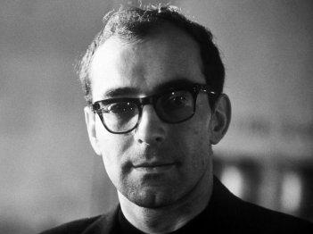 Un primo piano di Jean-Luc Godard