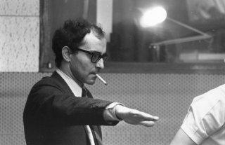 Jean-Luc Godard in una foto dal set
