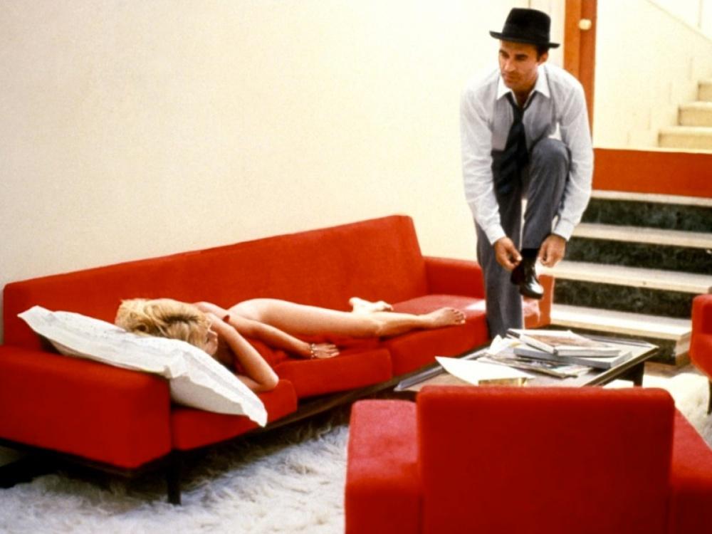 Mepris Le 1963 008 Brigitte Bardot In Sofa Michel Piccoli