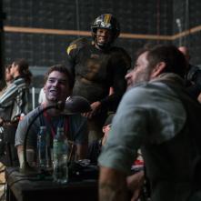 Justice League: Zack Snyder e la crew intorno a un monitor