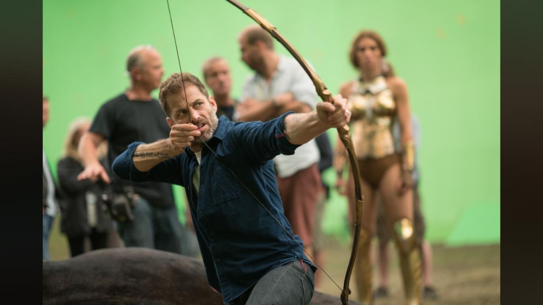 Snyder Set Photo Bow Justice League