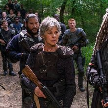 The Walking Dead: Melissa McBride e Khary Payton in una scena dell'episodio The Damned