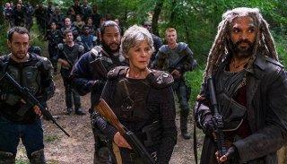The Walking Dead: Melissa McBride e Khary Payton in una scena dell'episodio The Damned