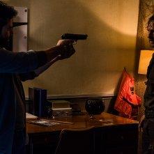The Walking Dead: Juan Gabriel Pareja e Andrew Lincoln in una scena di Monsters